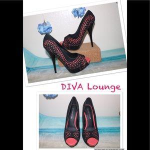 Diva Lounge Women's Black Peach Lorane Pumps